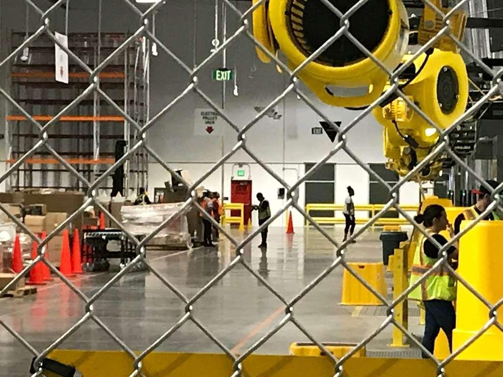 Amazon Reverse Logistics- TUS1 - storage  | Photo 4 of 7 | Address: 5333 W Lower Buckeye Rd, Phoenix, AZ 85043, USA