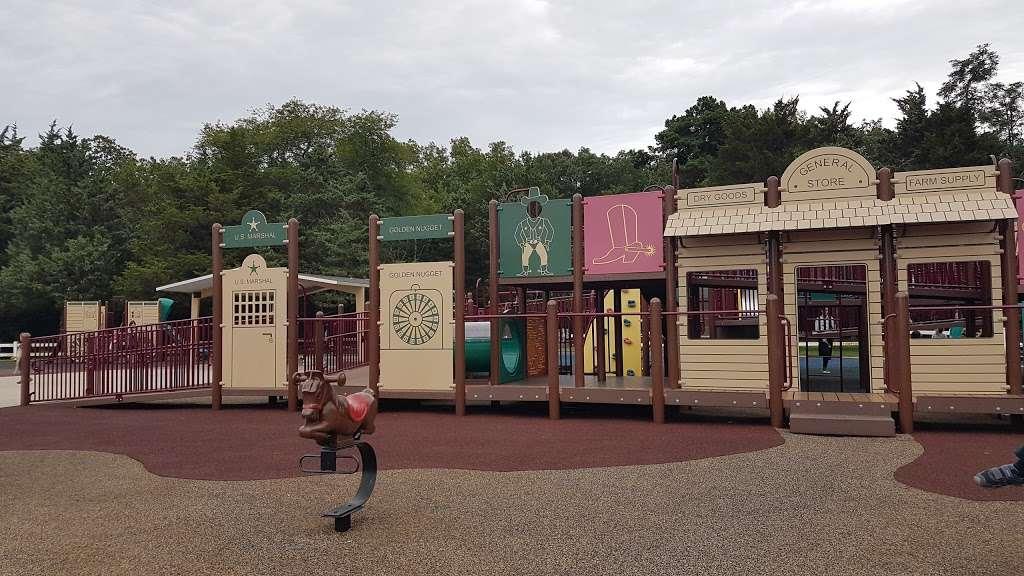 Riverwood Park Recreation - park    Photo 5 of 10   Address: Riverwood Dr, Toms River, NJ 08753, USA   Phone: (732) 341-1000