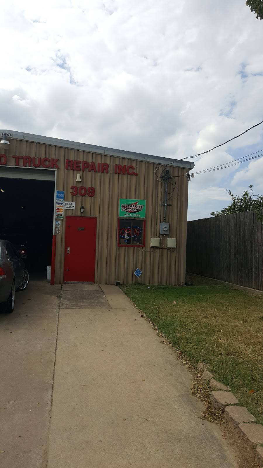 H & M Automotive & Truck - car repair  | Photo 1 of 2 | Address: 309 Compton Ave, Irving, TX 75061, USA | Phone: (972) 790-1711