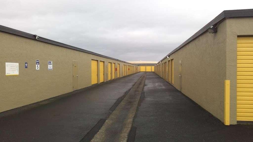Life Storage - storage  | Photo 4 of 10 | Address: 601 Martin Ave, Rohnert Park, CA 94928, USA | Phone: (707) 794-6000