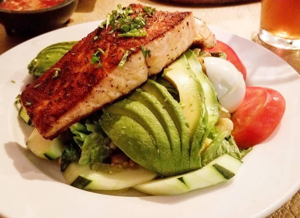 El Paraiso Restaurant - restaurant  | Photo 2 of 10 | Address: 6515 New Hampshire Ave, Takoma Park, MD 20912, USA | Phone: (301) 270-1190