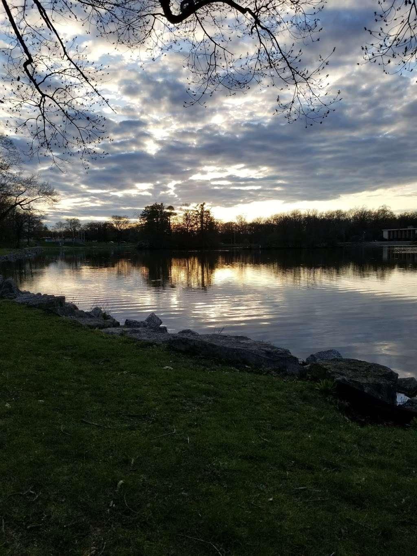 Jackson Park - park  | Photo 9 of 10 | Address: 3500 W Forest Home Ave, Milwaukee, WI 53215, USA | Phone: (414) 257-7275