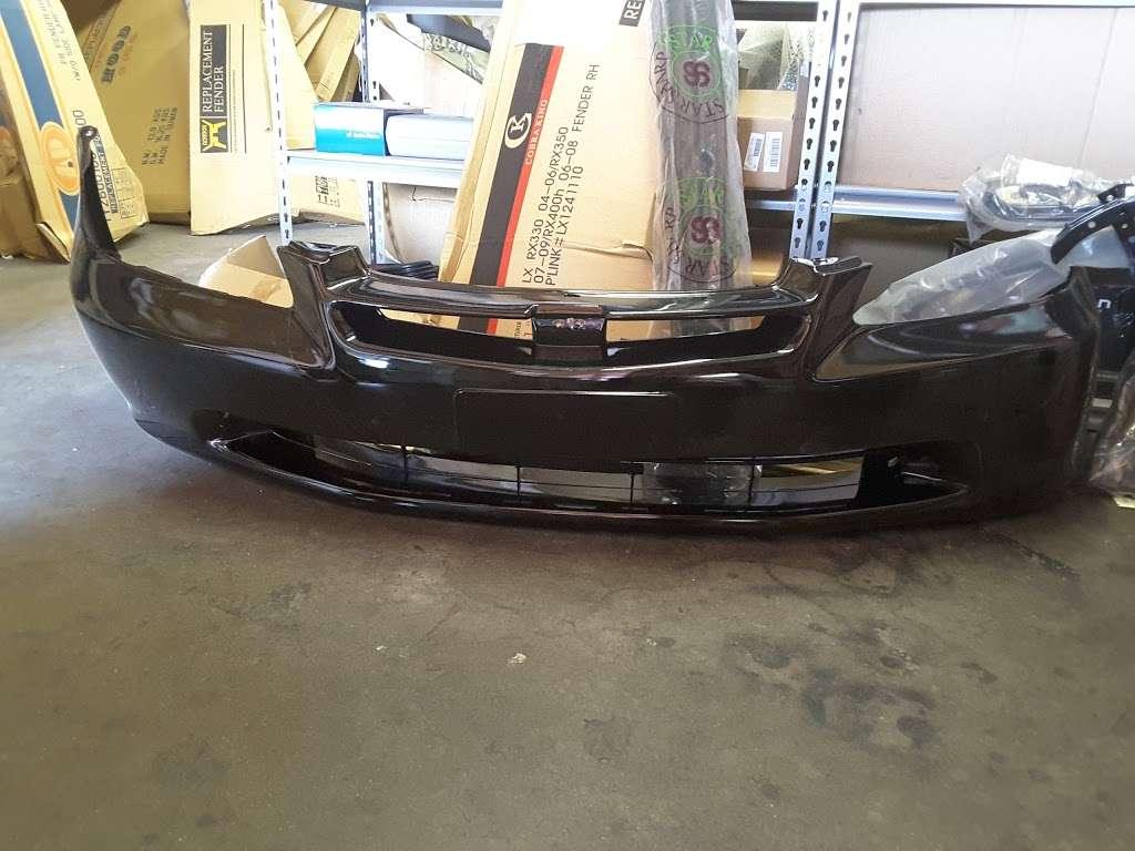 Brothers Auto Body Parts - car repair  | Photo 3 of 10 | Address: 14922 Ramona Blvd Unit K, Baldwin Park, CA 91706, USA | Phone: (626) 813-1126