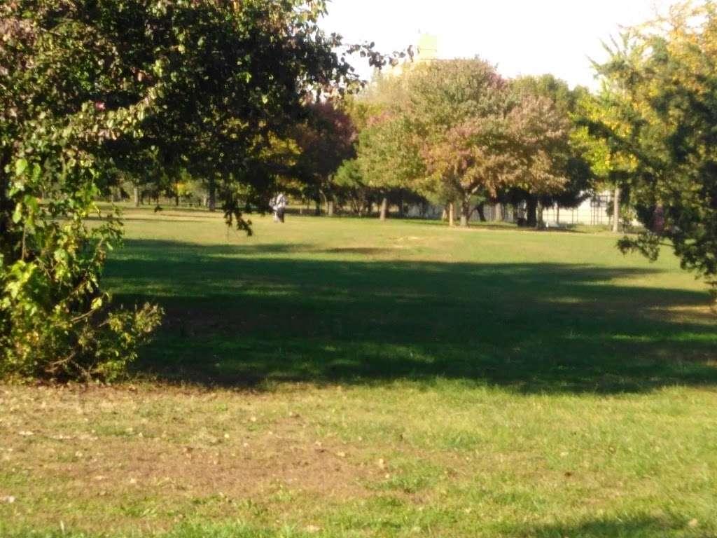 Soundview Park - park  | Photo 1 of 10 | Address: Bronx, NY 10473, USA
