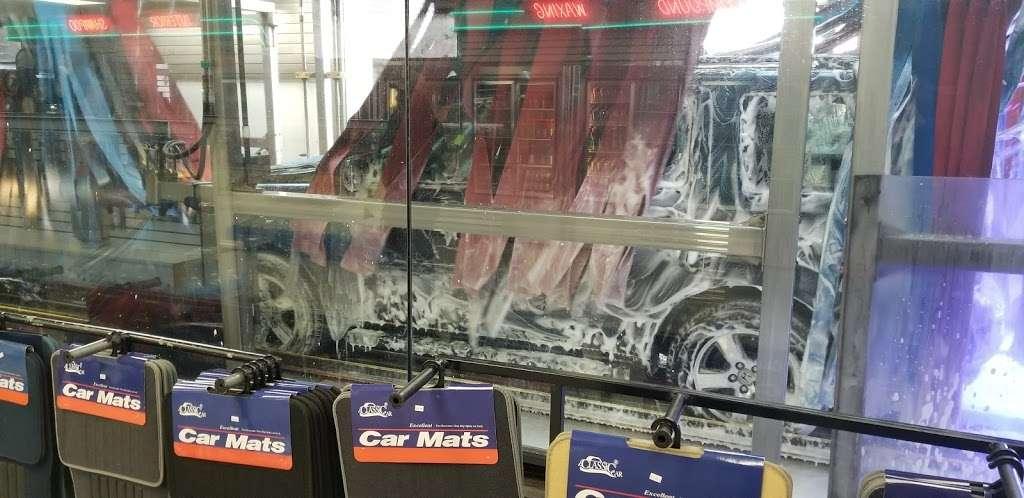 USA CAR WASH - Car Wash - Car detailing - Oil Change - Tire Repa - car wash  | Photo 8 of 10 | Address: 212-12 Jamaica Ave, Queens Village, NY 11428, USA | Phone: (718) 465-4551