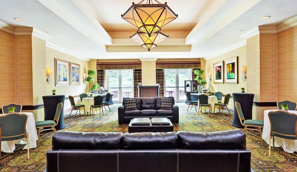 Embassy Suites by Hilton Parsippany - Lodging   909