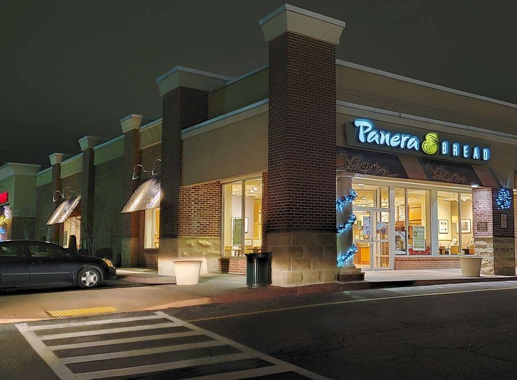 Panera Bread - bakery  | Photo 3 of 10 | Address: 915 Central Park Ave, Scarsdale, NY 10583, USA | Phone: (914) 713-0010