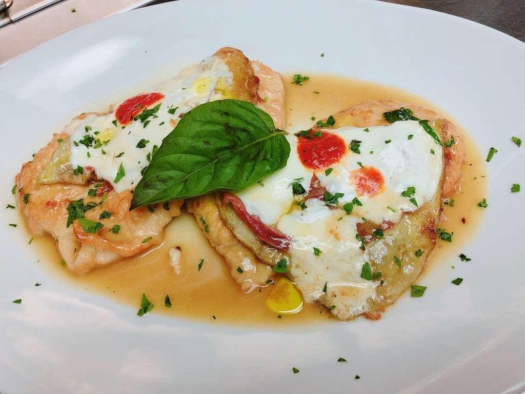 Ambrosio Italian Restaurant & Banquet Hall - restaurant  | Photo 5 of 10 | Address: 2071 Clove Rd, Staten Island, NY 10304, USA | Phone: (718) 524-7174