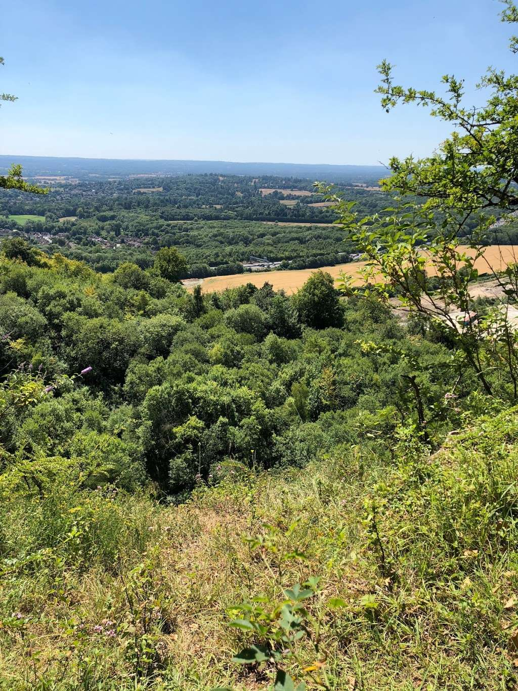 Woldingham Viewpoint - park    Photo 1 of 6   Address: Oxted, Caterham CR3 7AN, UK