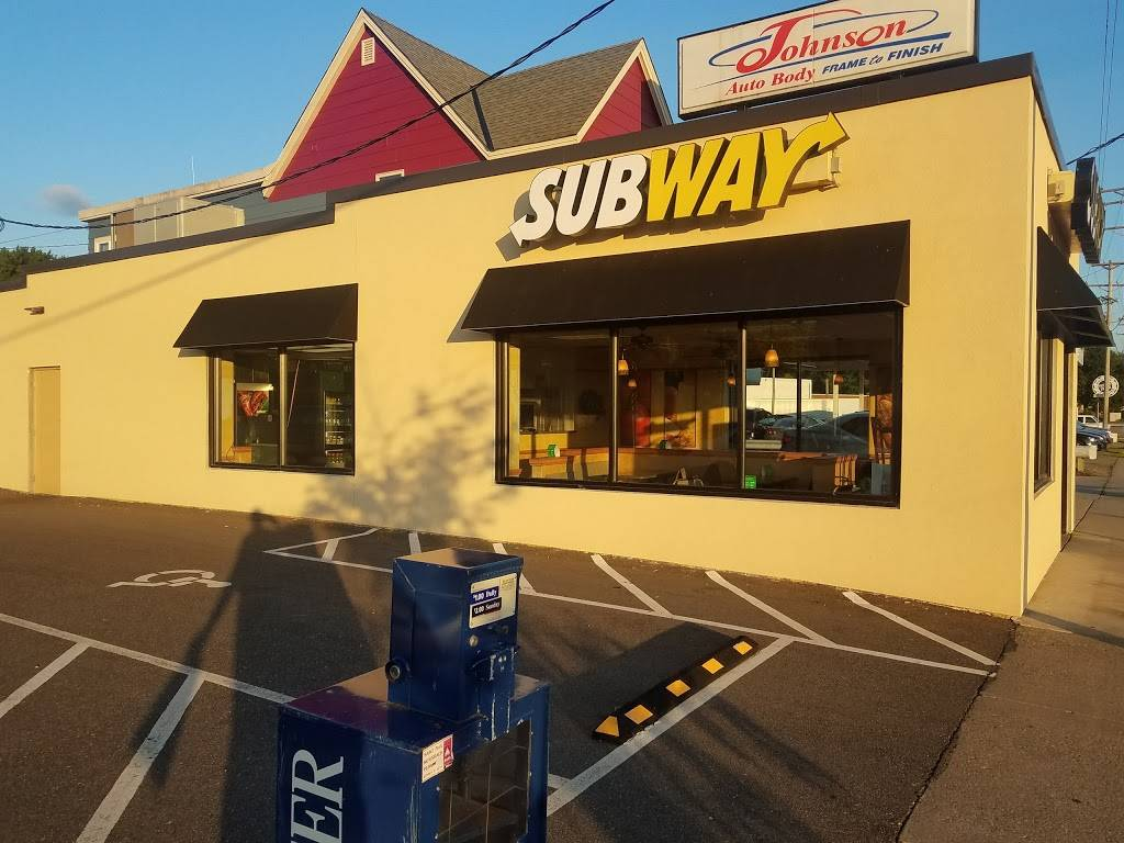 Subway - meal takeaway  | Photo 8 of 10 | Address: 2064 Hastings Ave, Newport, MN 55055, USA | Phone: (651) 458-9999
