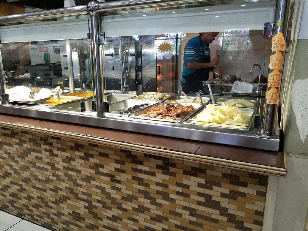 Piocos Chicken - restaurant  | Photo 5 of 10 | Address: 2062 E Osceola Pkwy, Buena Ventura Lakes, FL 34743, USA | Phone: (407) 348-8521