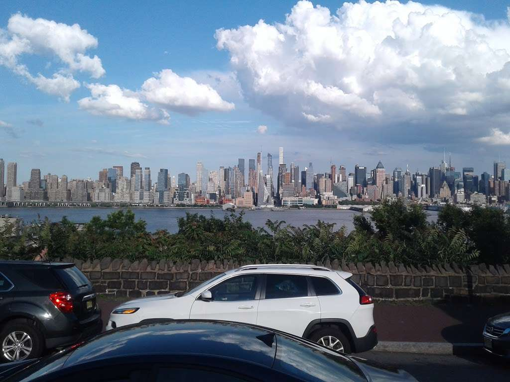 Boulevard East at 49th St - bus station  | Photo 1 of 3 | Address: Weehawken, NJ 07086, USA
