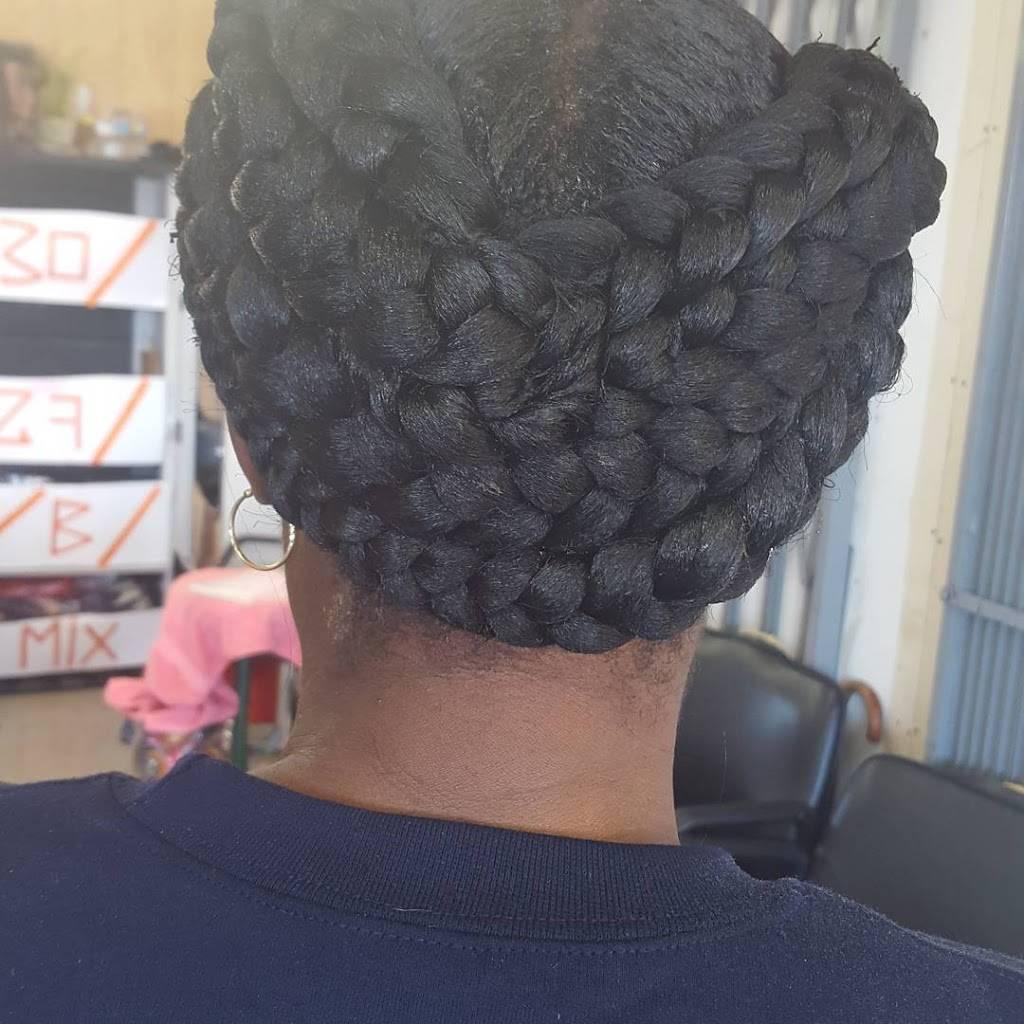 Taslim African Hair Braiding - hair care  | Photo 10 of 10 | Address: 4515 Village Fair Dr, Dallas, TX 75224, USA | Phone: (214) 371-2002