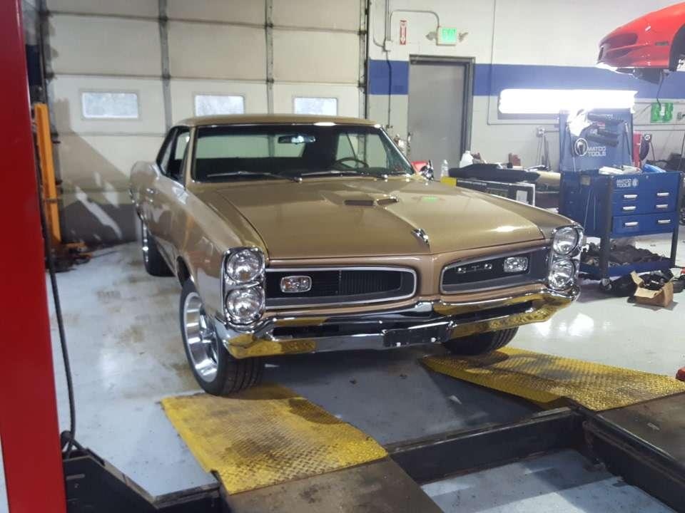 Joes Garage and Customs - car repair  | Photo 4 of 10 | Address: 2050 E Algonquin Rd, Algonquin, IL 60102, USA | Phone: (847) 458-1050