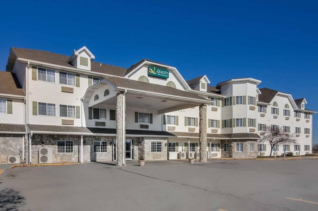 Quality Inn & Suites - lodging  | Photo 5 of 10 | Address: 7333 Husker Cir, Lincoln, NE 68504, USA | Phone: (402) 817-7807