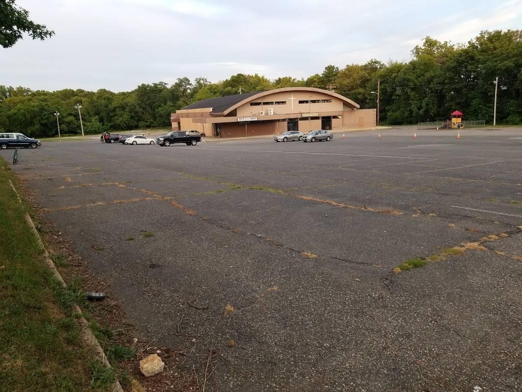 The Shiloh Christian Community Church - church  | Photo 8 of 8 | Address: 825 Yale Ave, Baltimore, MD 21229, USA | Phone: (410) 368-6002