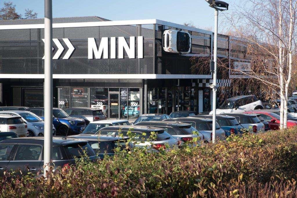 Cooper Tonbridge MINI - car repair  | Photo 3 of 10 | Address: Brook Farm, Five Oak Green Rd, Tonbridge TN11 0QN, UK | Phone: 01732 622059