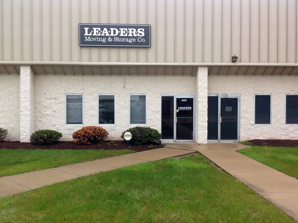 Leaders Moving & Storage Co. - moving company  | Photo 6 of 10 | Address: 4517 Industrial Pkwy, Cleveland, OH 44135, USA | Phone: (440) 497-4393