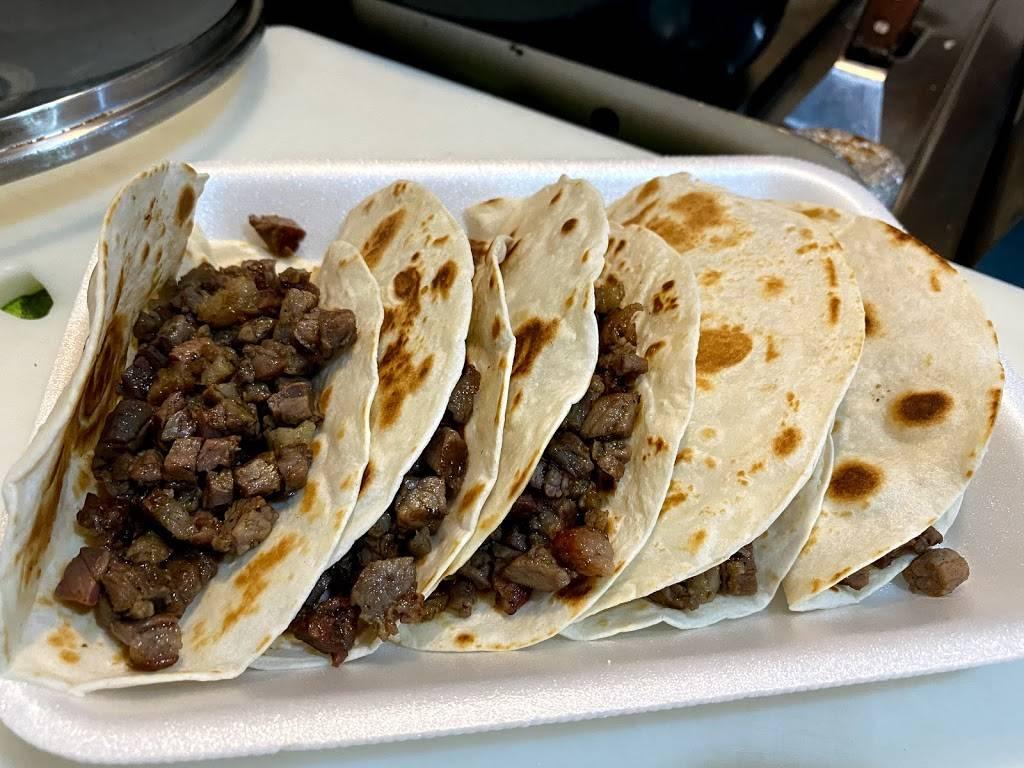 Tacos perry Los Tacos De La Raza - restaurant  | Photo 3 of 6 | Address: Bogota 552 Interior Bilbao Y, Belgrado, Fraccionamiento Los Ciruelos, 88290 Nuevo Laredo, Tamps., Mexico | Phone: 867 265 8270