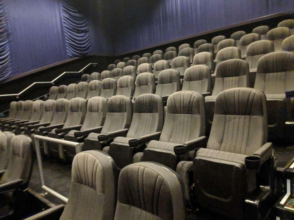 Regal Cinemas Waterford Lakes 20 IMAX - movie theater  | Photo 6 of 10 | Address: 541 N Alafaya Trail, Orlando, FL 32828, USA | Phone: (844) 462-7342