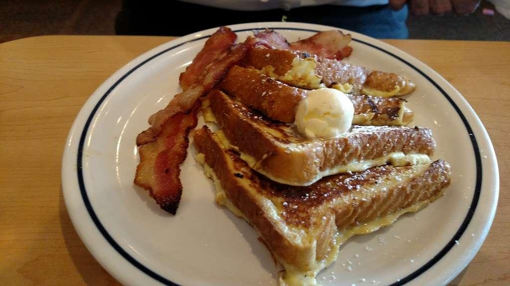 IHOP - restaurant    Photo 8 of 9   Address: 135 Crooked Run Plaza, Front Royal, VA 22630, USA   Phone: (540) 636-2324