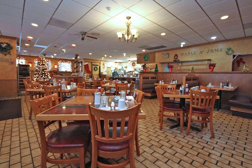 Maple N Jams Cafe - cafe  | Photo 9 of 9 | Address: 6814 W 87th St, Burbank, IL 60459, USA | Phone: (708) 237-1600