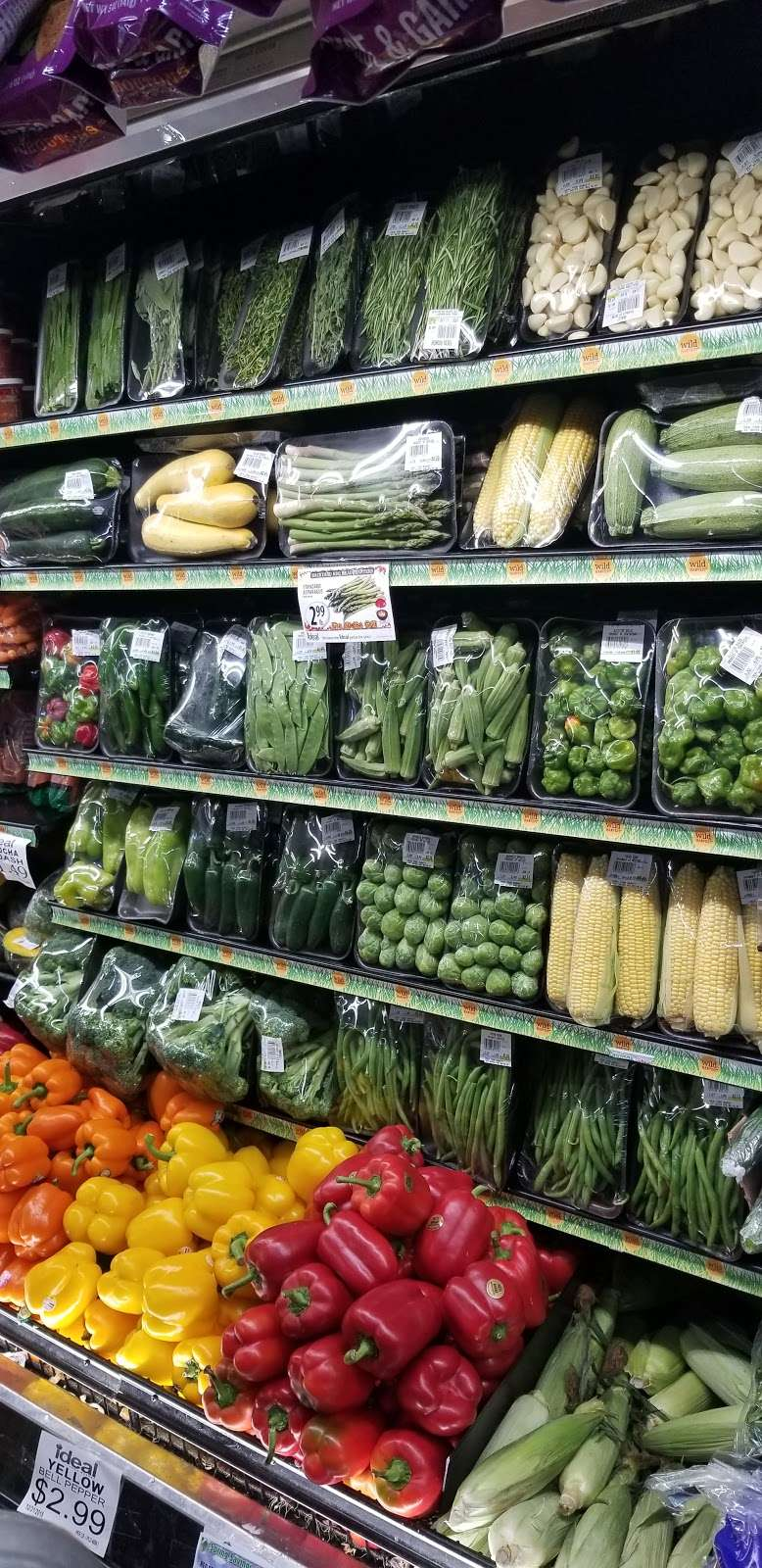 Ideal Food Basket - supermarket  | Photo 6 of 10 | Address: 631 Gates Ave, Brooklyn, NY 11221, USA | Phone: (718) 453-6032