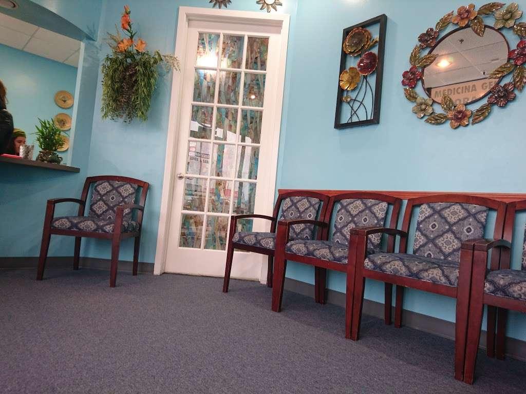 Clinica Corazon Hispano - health  | Photo 1 of 6 | Address: 11550 Gulf Fwy, Houston, TX 77034, USA | Phone: (713) 944-0477