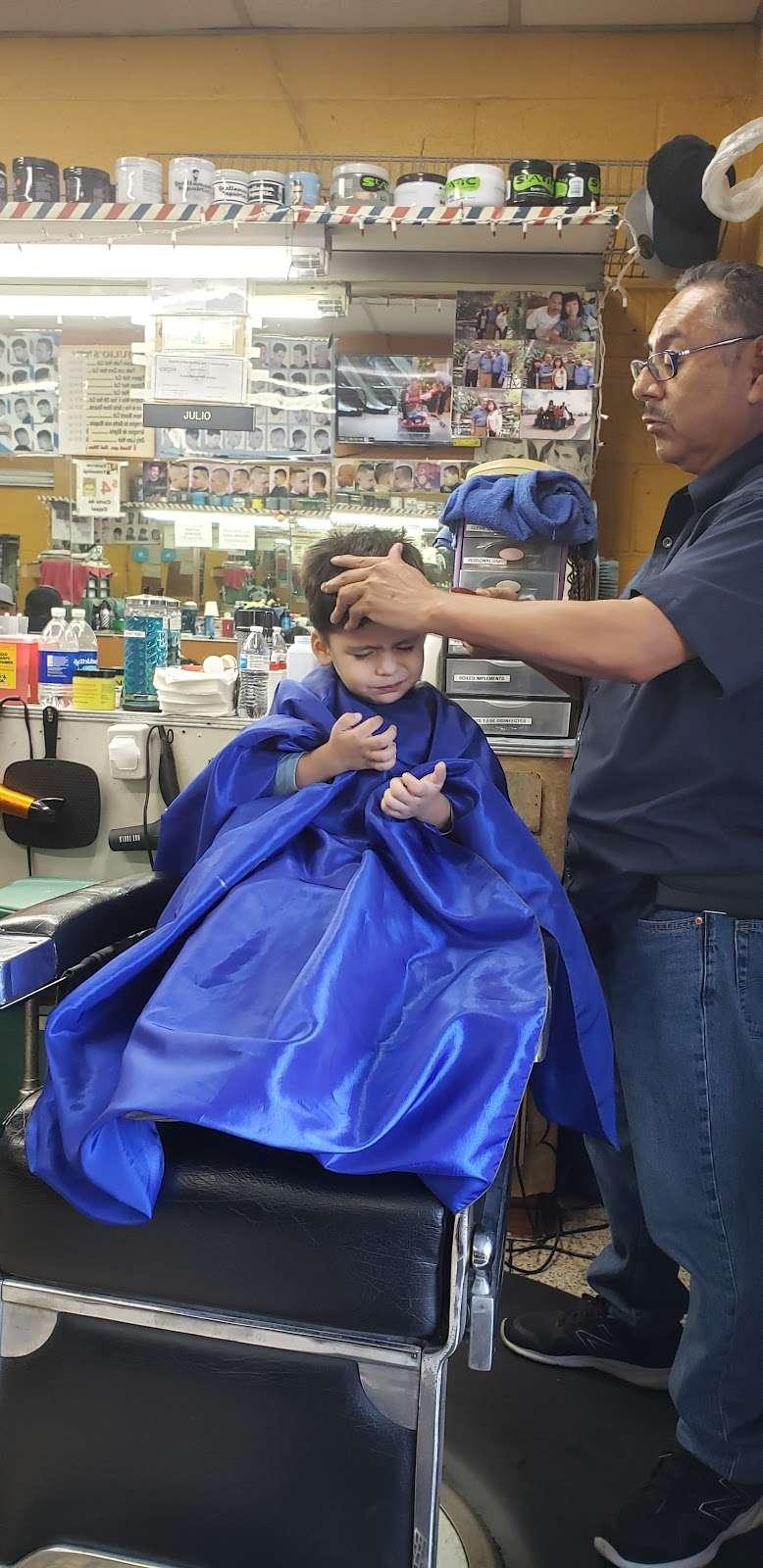 Julio Barber Shop El Senor - hair care    Photo 2 of 4   Address: 4402 S Main St, Los Angeles, CA 90037, USA   Phone: (323) 235-0264