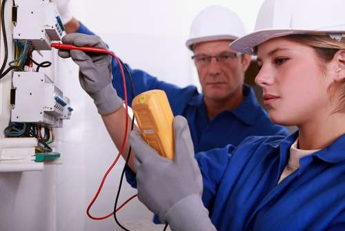 Greenpoint Electric - electrician    Photo 2 of 2   Address: 133 Sutton St, Brooklyn, NY 11222, USA   Phone: (929) 283-4017