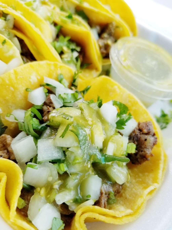 Tacos La Addiccion - restaurant  | Photo 2 of 10 | Address: 4970 W Illinois Ave, Dallas, TX 75211, USA | Phone: (214) 453-1580