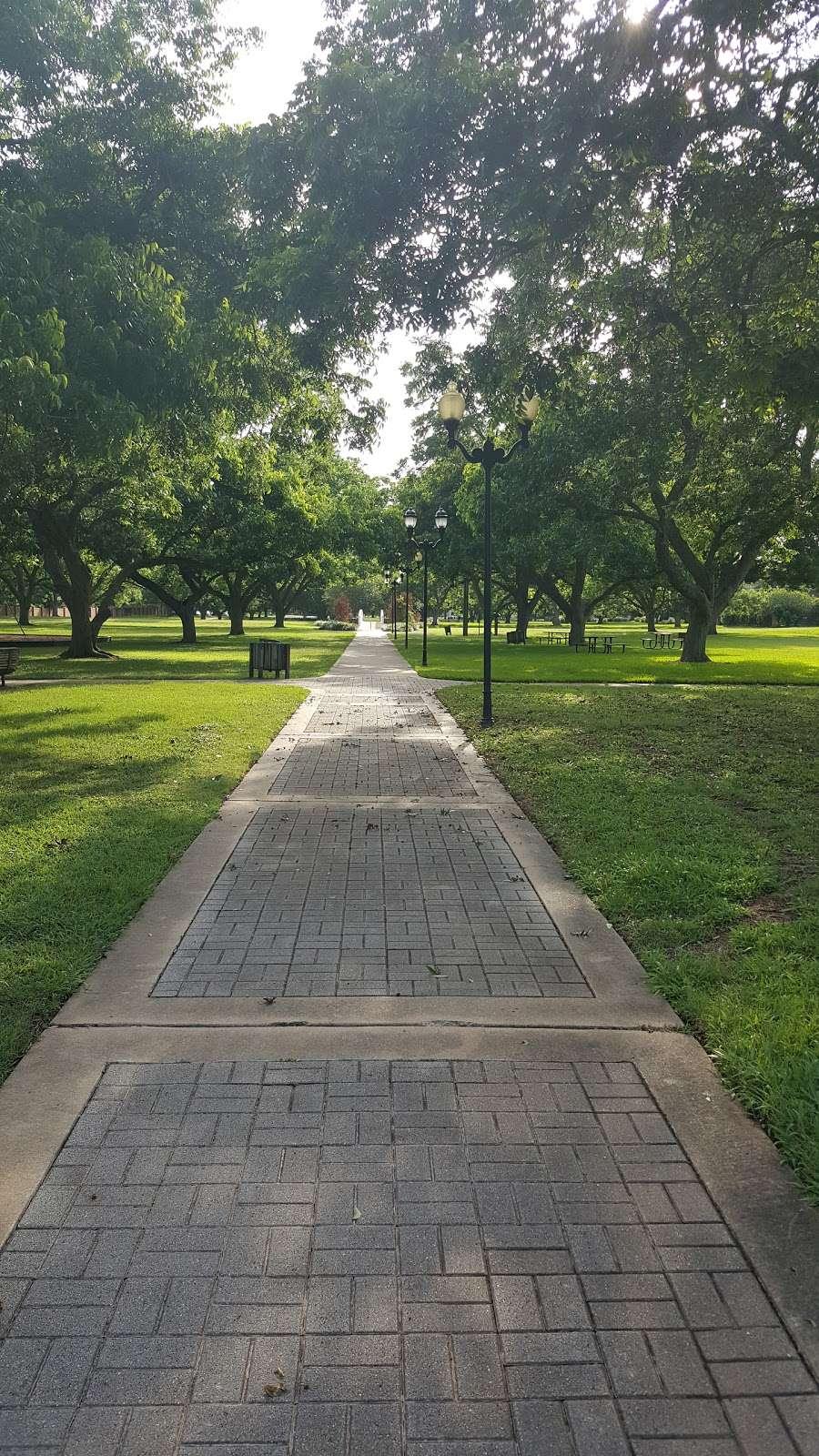 Pecan Park - park  | Photo 9 of 9 | Address: Pecan Orchard Blvd, Sugar Land, TX 77479, USA | Phone: (281) 565-0616