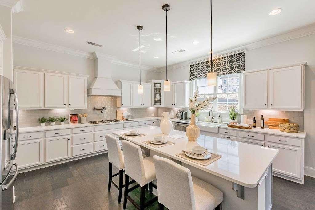 M/I Homes Blume - real estate agency  | Photo 6 of 10 | Address: 2045 Sweet William Drive, Harrisburg, NC 28075, USA | Phone: (704) 228-3892