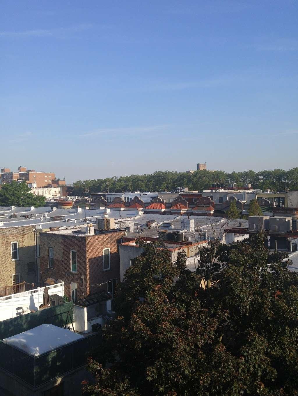 Central Yeshiva Tomchei Tmimim - synagogue    Photo 2 of 2   Address: 1414 President St, Brooklyn, NY 11213, USA