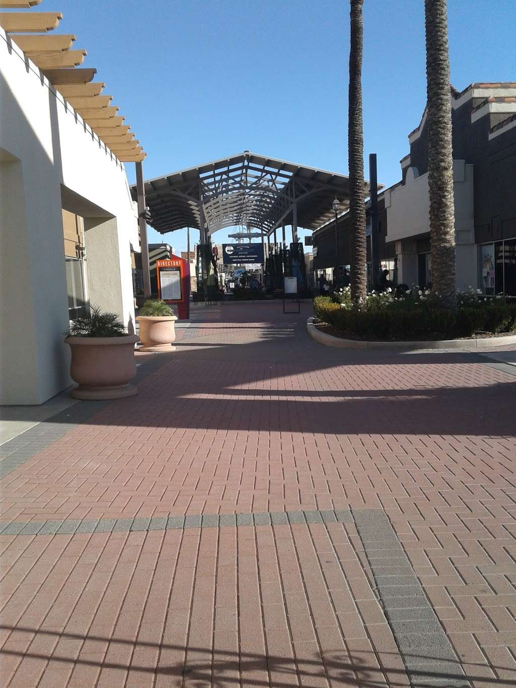 Gap Outlet - clothing store    Photo 10 of 10   Address: 17600 Collier Ave, Lake Elsinore, CA 92530, USA   Phone: (951) 245-6003
