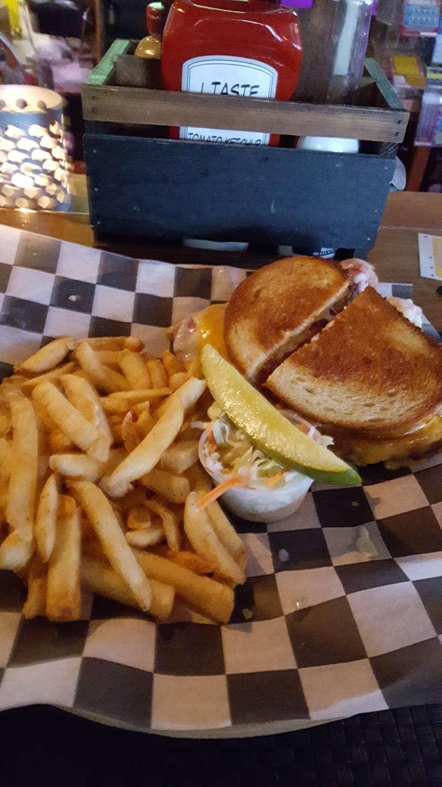 Aders Tavern - restaurant  | Photo 9 of 10 | Address: 1321 Florence Ave, Union Beach, NJ 07735, USA | Phone: (732) 888-1634