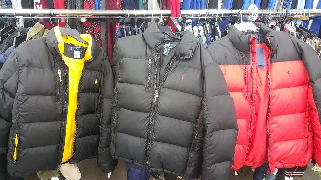 Name Brand Clothing - clothing store    Photo 8 of 10   Address: 8800 Marshall Dr, Shawnee Mission, KS 66215, USA   Phone: (913) 859-9898