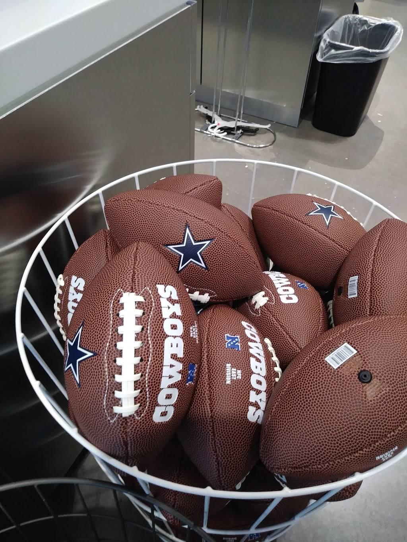 Fans United - Frisco - clothing store  | Photo 4 of 9 | Address: 5 Cowboys Way, Frisco, TX 75034, USA | Phone: (972) 497-4050