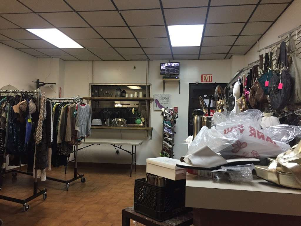 Glow Thrift Shop Store - clothing store  | Photo 1 of 10 | Address: 561 Palisade Ave, Jersey City, NJ 07307, USA | Phone: (646) 399-7397
