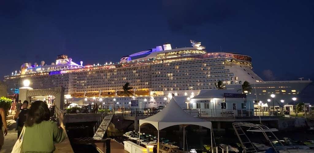 Anthem Of The Seas - lodging  | Photo 1 of 10 | Address: Cape Liberty Cruise Port, 4 Port Terminal Blvd, Bayonne, NJ 07002, USA
