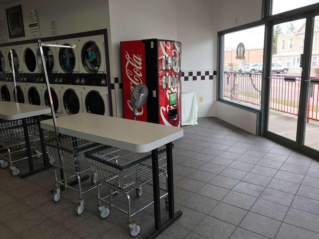 Scrubs Laundromat - laundry  | Photo 6 of 9 | Address: 315 Main St #4, Little Ferry, NJ 07643, USA | Phone: (201) 440-3343