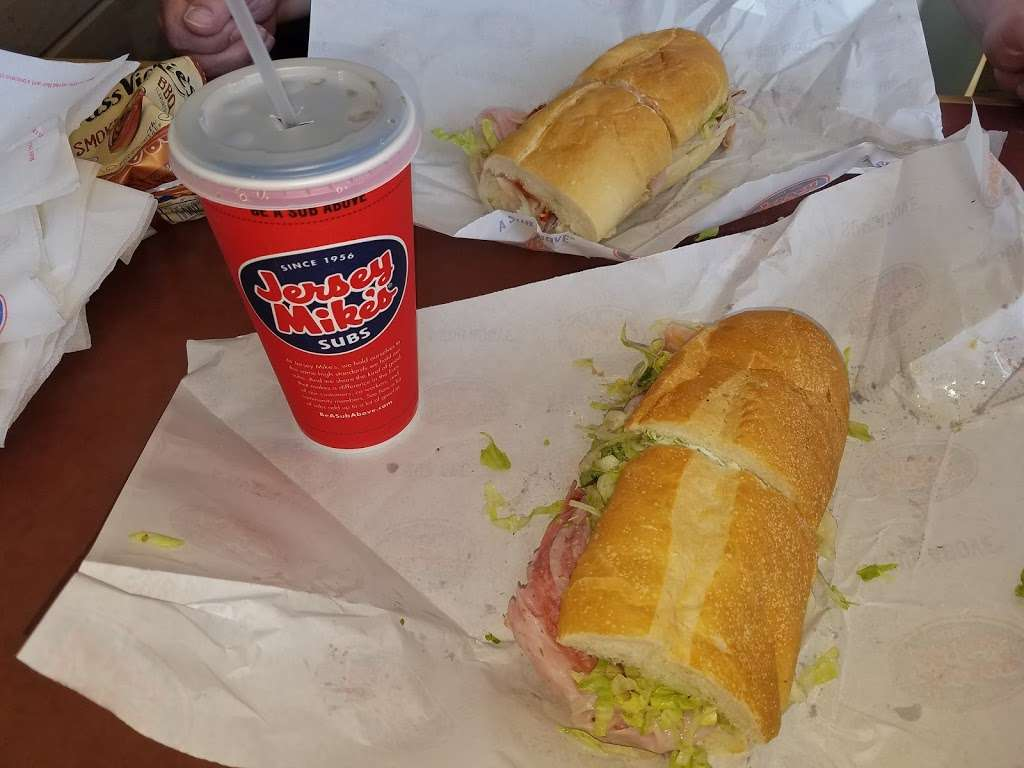Jersey Mikes Subs - meal takeaway  | Photo 9 of 10 | Address: 3578 PA-611 #260, Bartonsville, PA 18321, USA | Phone: (570) 421-2800