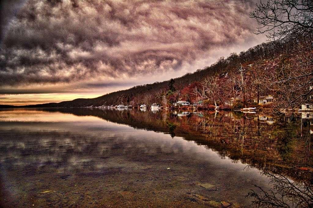 Green Pond Mountain Corporation - real estate agency  | Photo 9 of 10 | Address: 1 Old Ln, Newfoundland, NJ 07435, USA | Phone: (973) 697-3736