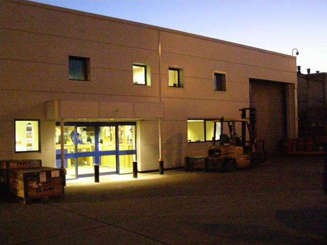Harris DAF - store    Photo 2 of 10   Address: 601 London Rd, Grays RM20 4AU, UK   Phone: 01708 868386