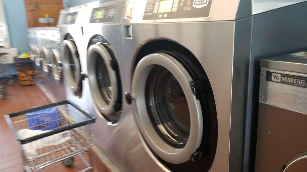 Modern Highland Laundry - laundry  | Photo 3 of 7 | Address: 392 Highland Ave, Clifton, NJ 07011, USA