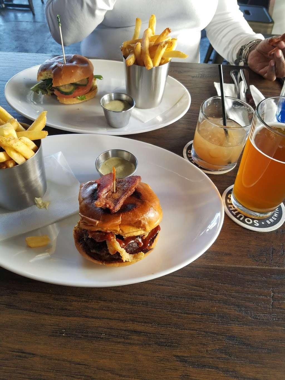 Bronx Tavern - restaurant  | Photo 6 of 10 | Address: 3503, 780 E 133rd St, Bronx, NY 10454, USA | Phone: (718) 292-2108