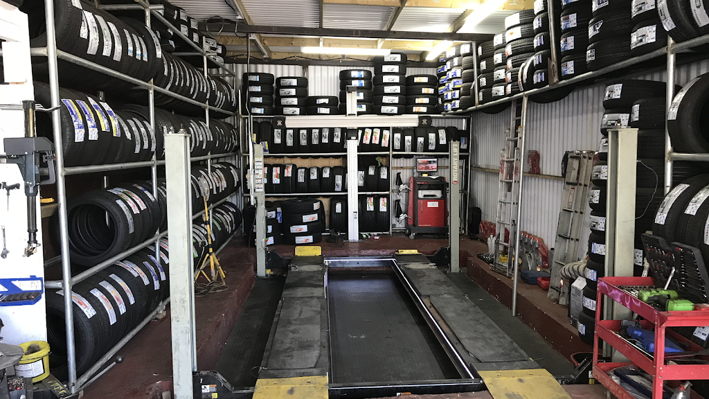 Quick Tyre & Car services - car repair  | Photo 1 of 10 | Address: Craven Park, Harlesden, London NW10 8SQ, UK | Phone: 07427 679906