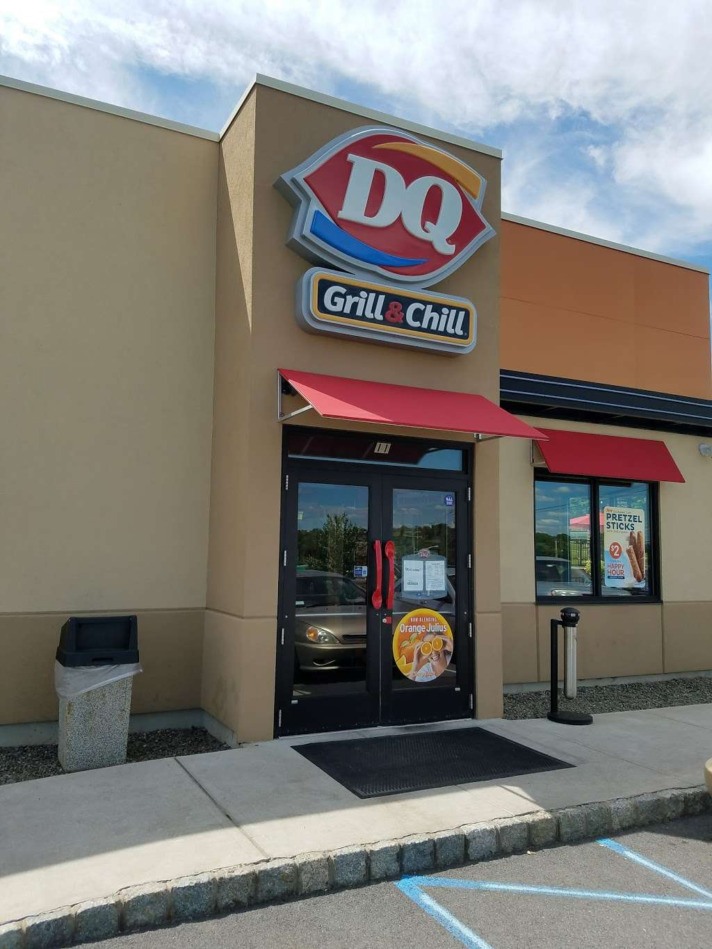 Dairy Queen Grill & Chill - store  | Photo 3 of 10 | Address: 11 James P Kelly Way, Middletown, NY 10940, USA | Phone: (845) 381-1118