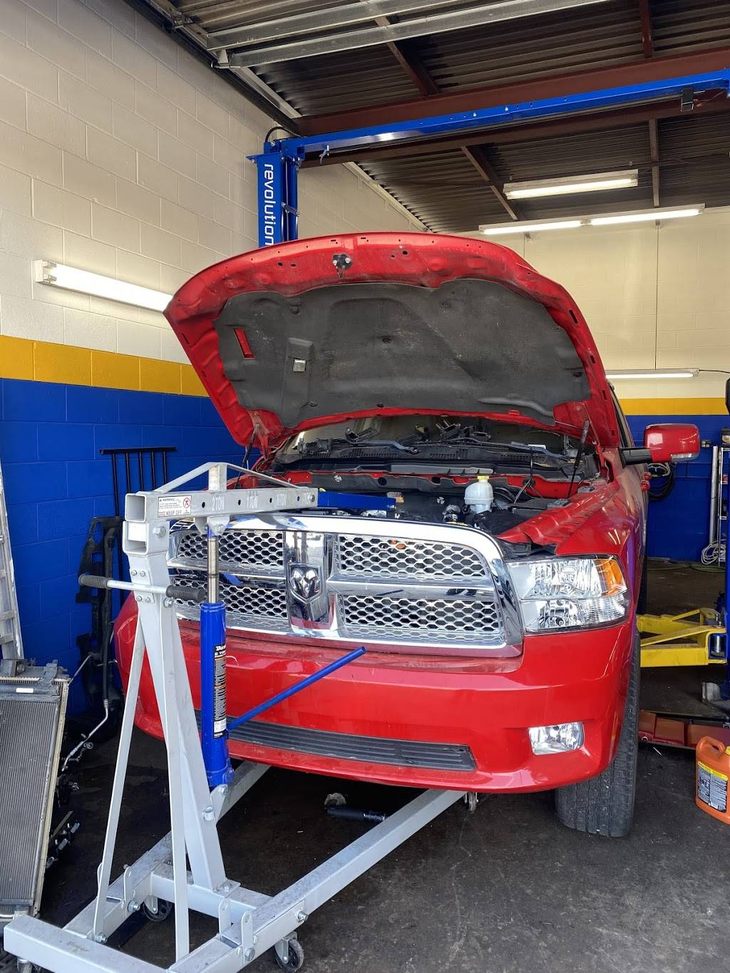 Flash auto repair - car repair  | Photo 3 of 4 | Address: 6303 1/2 N Meridian Ave, Oklahoma City, OK 73112, USA | Phone: (405) 730-6762