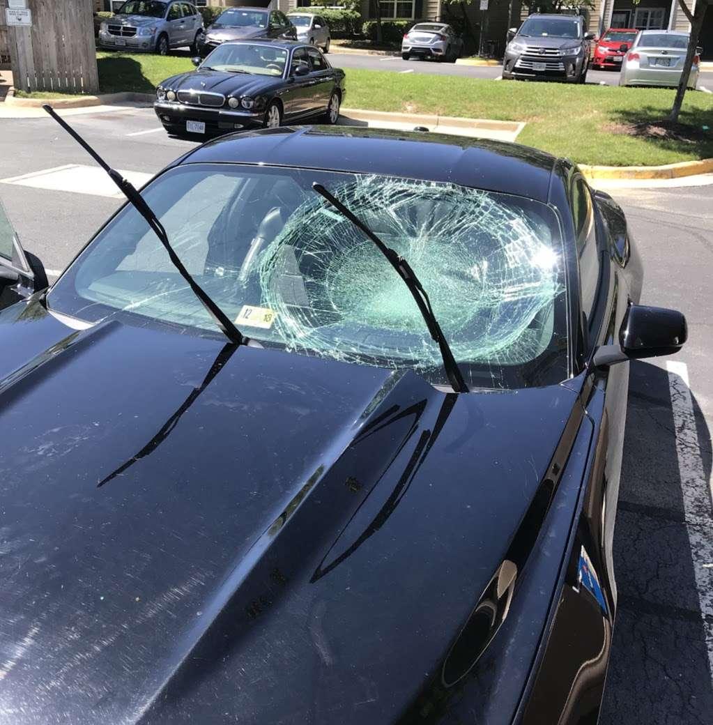 Windshield Plus - car repair  | Photo 1 of 2 | Address: 1108C Horner Rd, Woodbridge, VA 22191, USA | Phone: (703) 439-4787